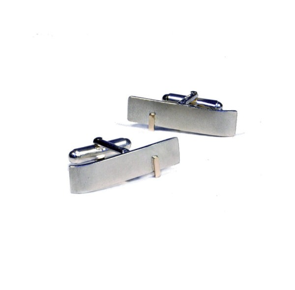 The cufflinks are approx 2cm long x 8mm wide with a textured surface which contrasts nicely with the polished gold line
