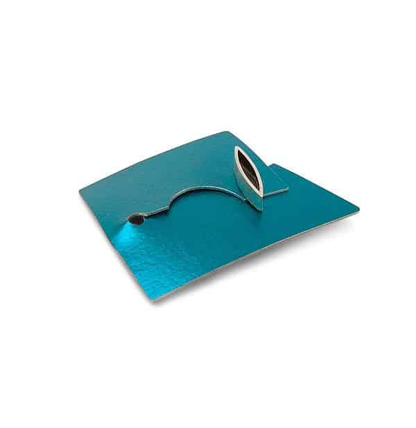 Aluminium brooch in turquoise with oxidised silver marquis decoration