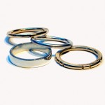 silver-and-gold-wedding rings