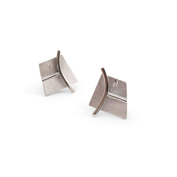 cufflinks in textured metal with shiny wire design to match kilt pin
